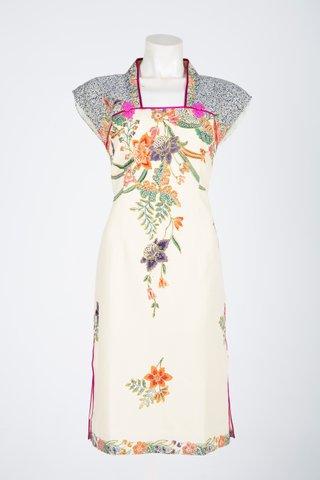 60225 Qi Pao Kimono neckline                Size : L