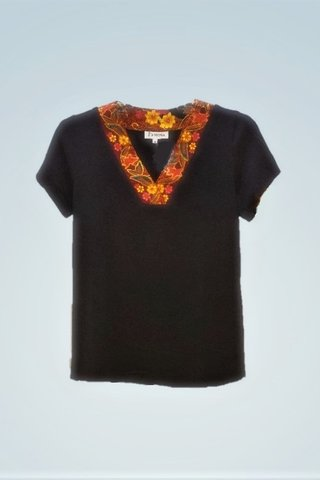 """0064 Blouse, Knit """"V"""" neckline  SKU: K2000006 Size : M"""