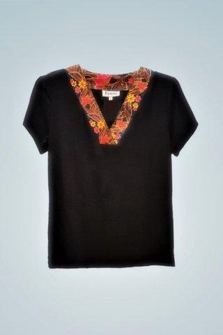 """0064 Blouse, Knit """"V"""" neckline SKU: K3000010  Size : L"""