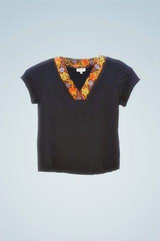 """0064 Blouse, Knit """"V"""" neckline SKU: K5000017  Size : XXL"""