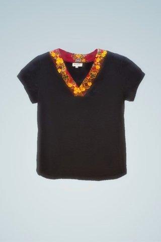 """0064 Blouse, Knit """"V"""" neckline SKU: K5000019  Size : XXL"""