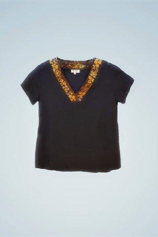 """0064 Blouse, Knit """"V"""" neckline SKU: K6000021  Size : 3XL"""