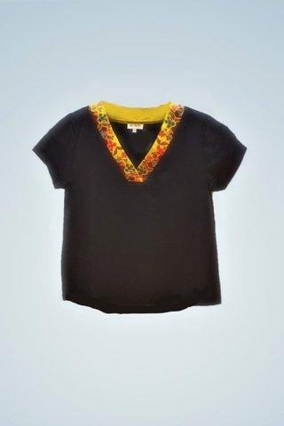 """0064 Blouse, Knit """"V"""" neckline SKU: K6000022  Size : 3XL"""