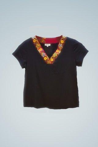 """0064 Blouse, Knit """"V"""" neckline SKU: K6000023  Size : 3XL"""