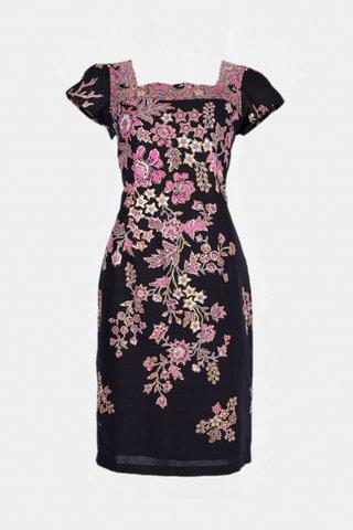 30223   Dress, Square neckline  Size : M